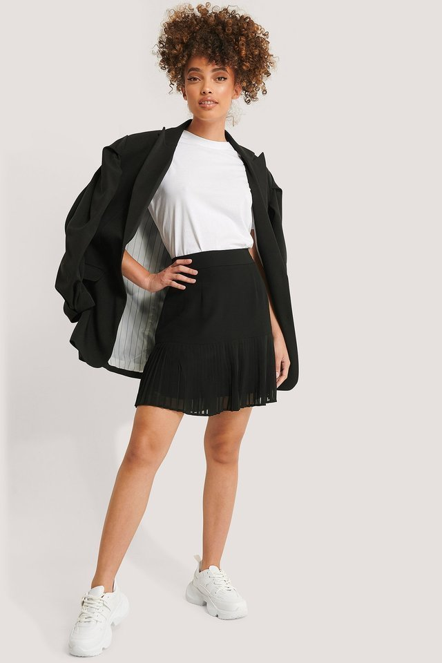 Pleated Bottom Skirt Outfit.