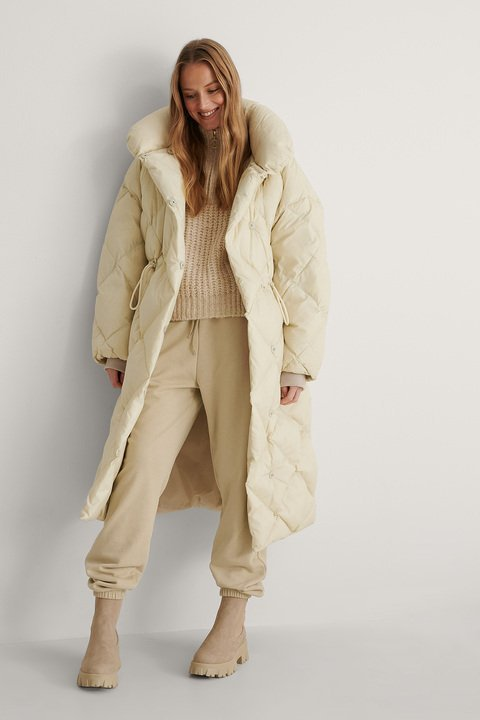 Milka Anorak Outfit.