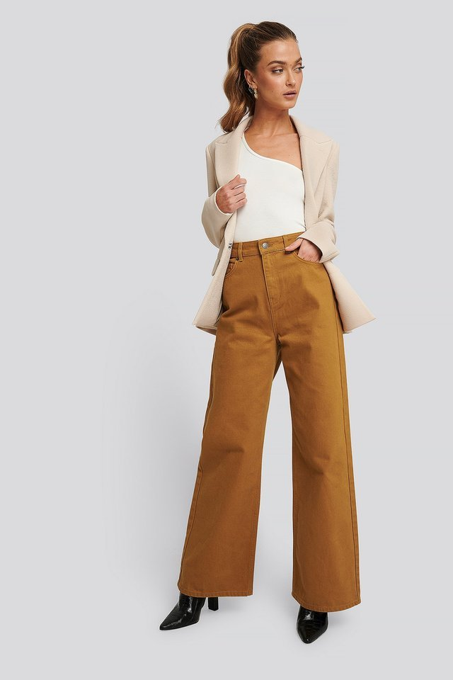 Wide Leg High Waisted Jeans Brown Outfit.