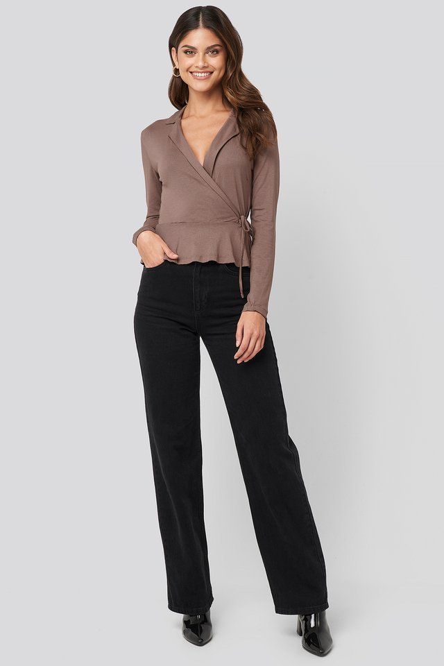 Side knot Detailed Wrap Blouse Outfit.
