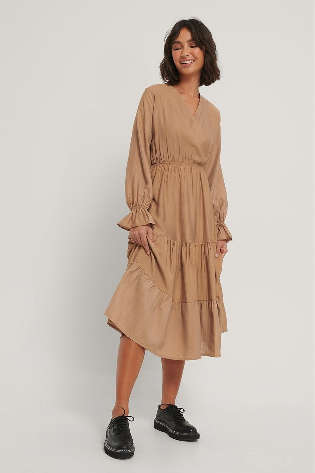 Milla Ruffle Midi Dress Outfit.