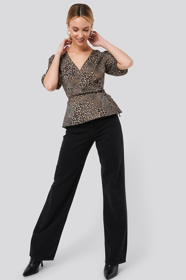 Puff Sleeve Overlap Blouse Outfit.