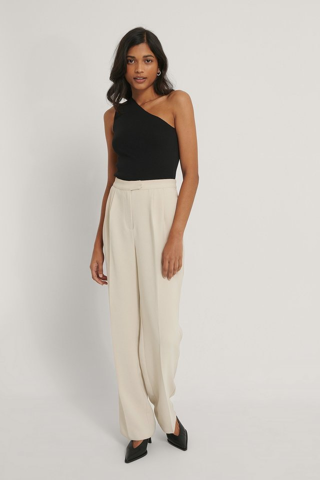 One Shoulder Top Outfit.