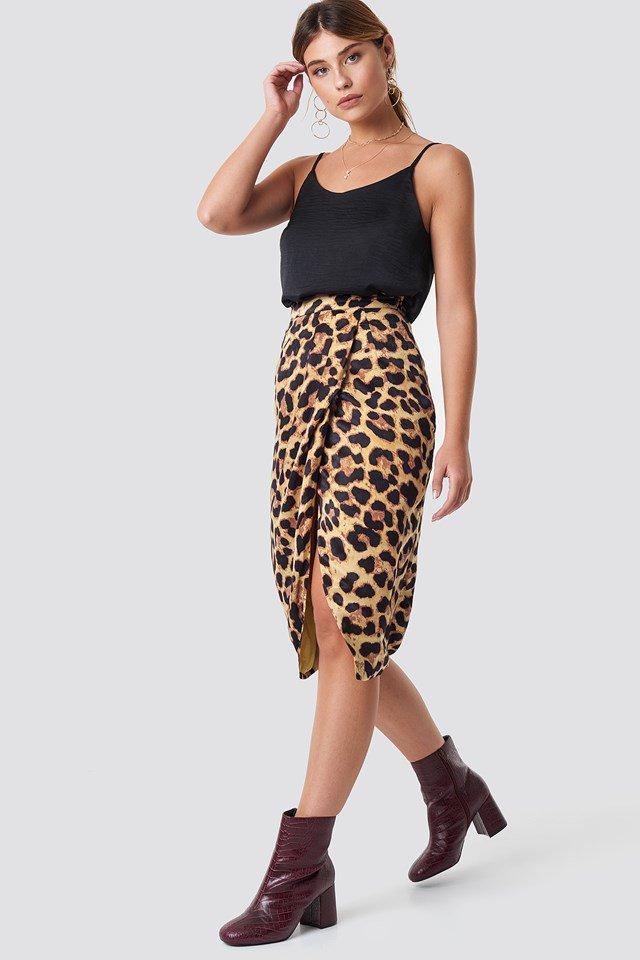Leo Skirt Look
