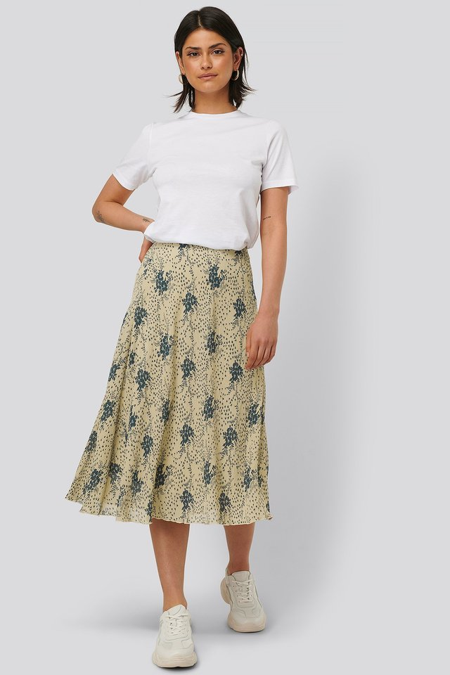 Flower Printed Skirt Outfit.
