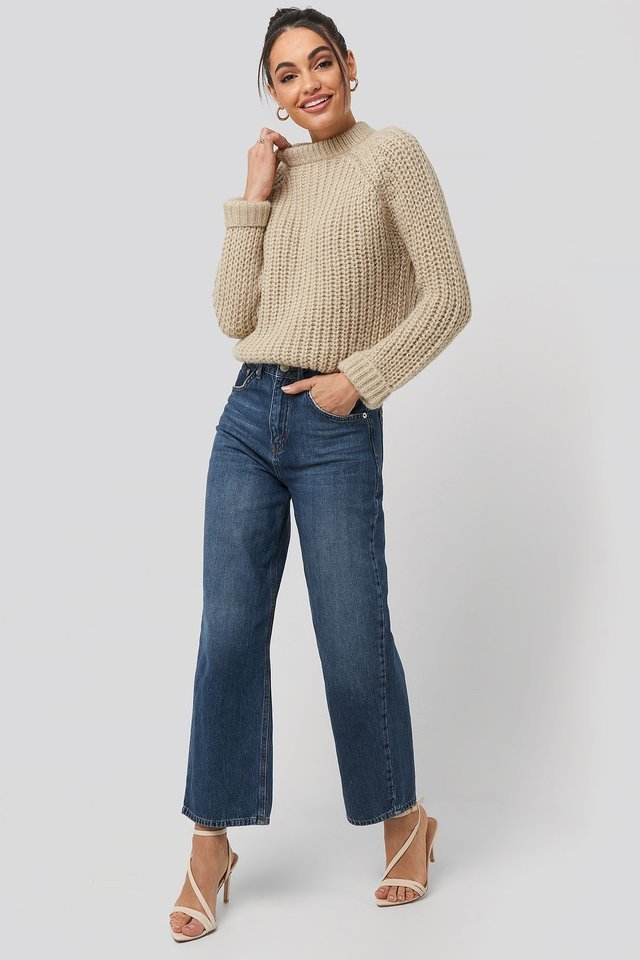 Round Neck Chunky Sweater Outfit.