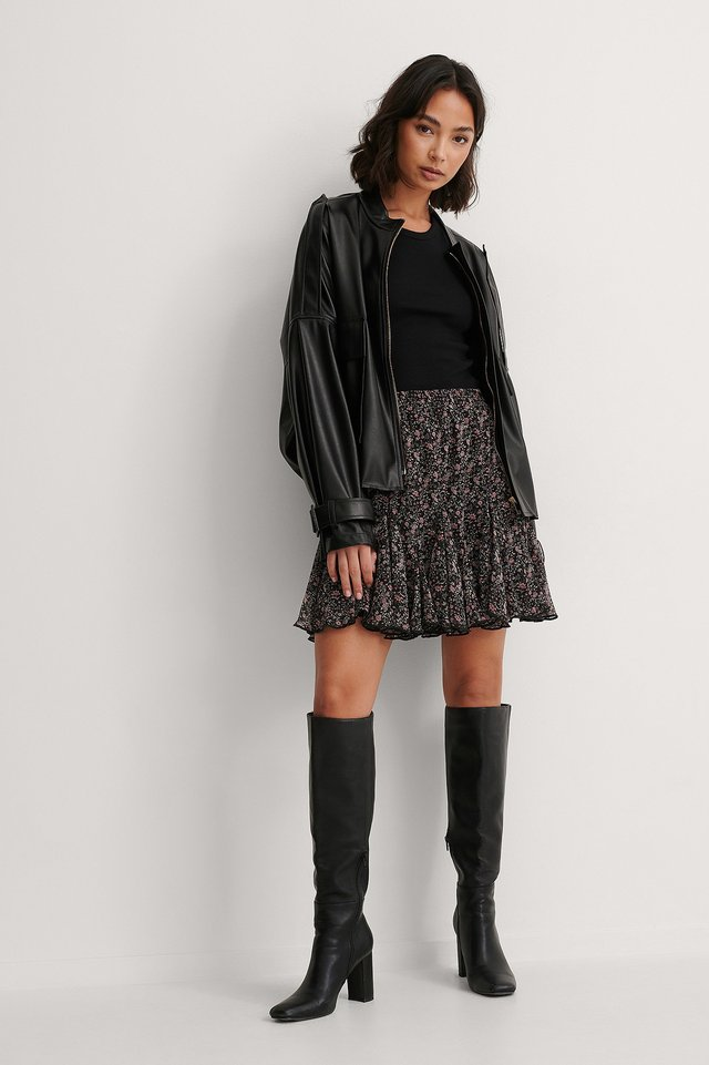 Flowy Mini Skirt Outfit.