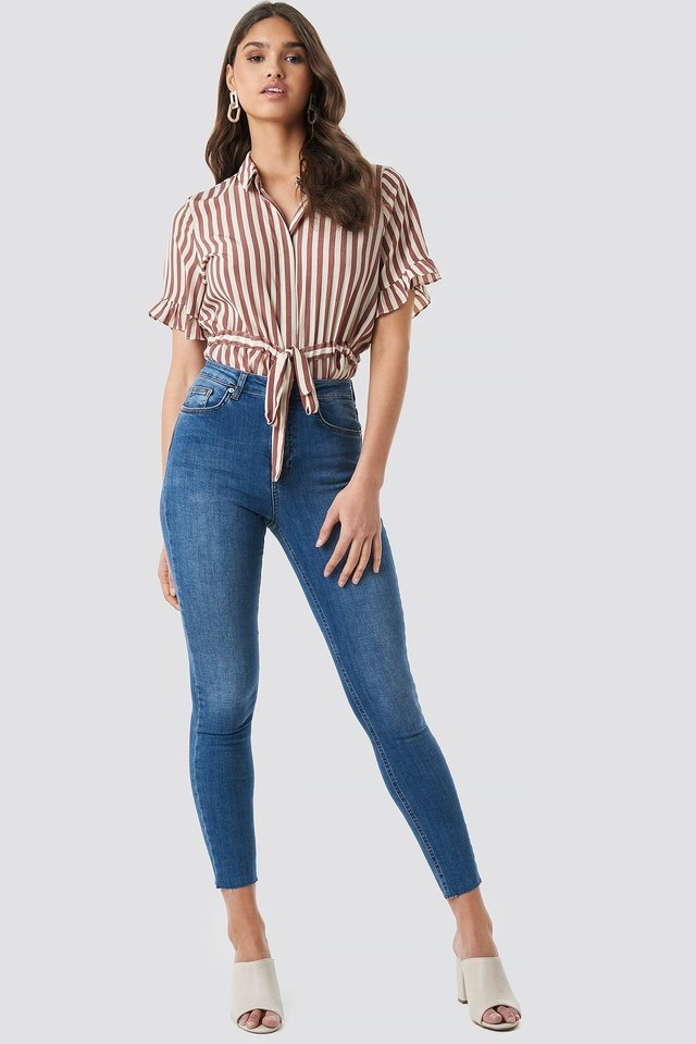 Skinny High Waist Raw Hem Jeans Blue Outfit.