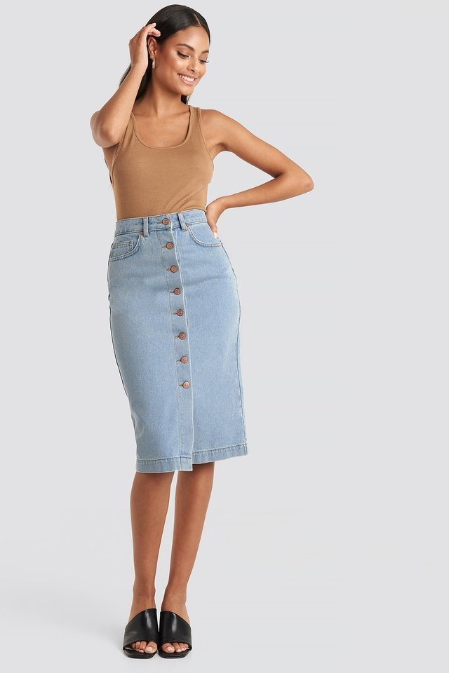 Button Up Denim Midi Skirt Outfit.