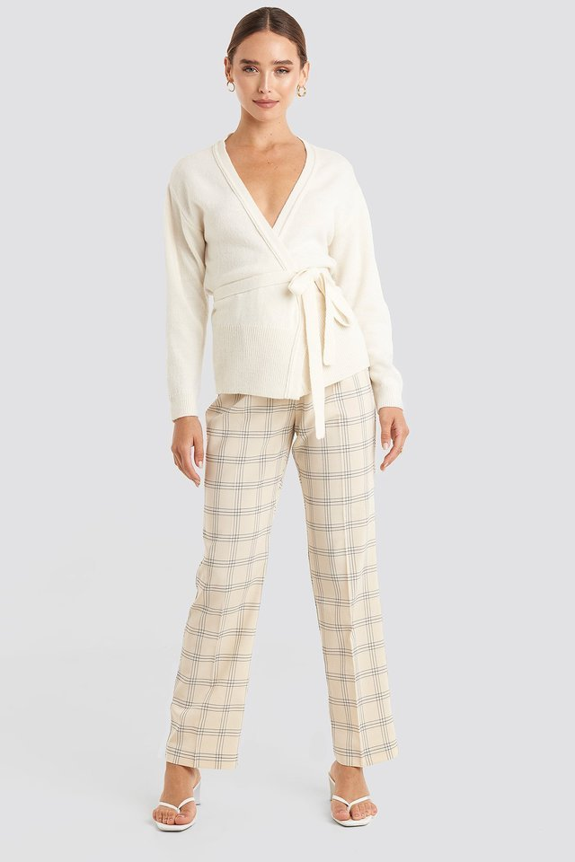White Tied Overlap Knitted Cardigan