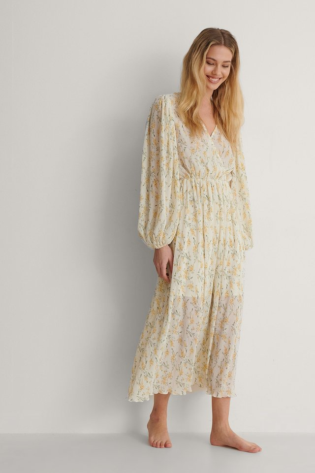 Balloon Sleeve Overlap Structured Dress Outfit.