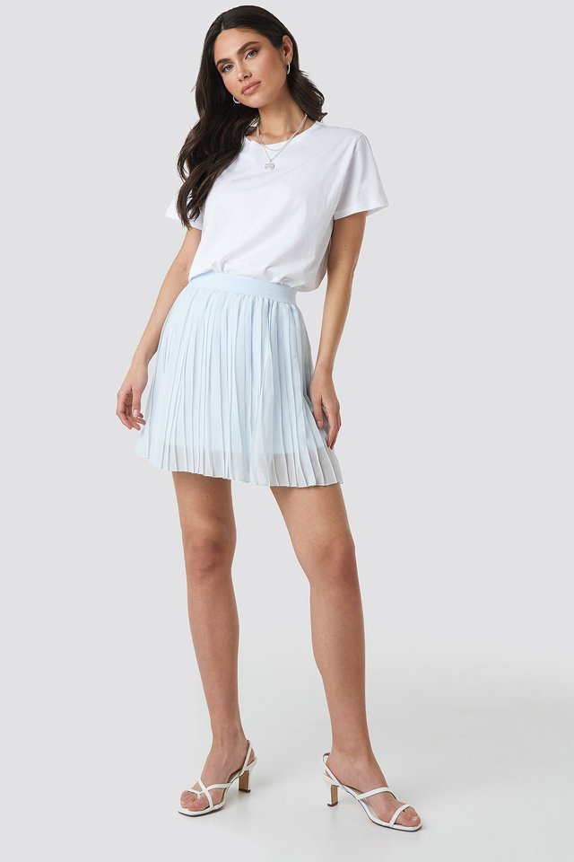 Mini Pleated Skirt Outfit.