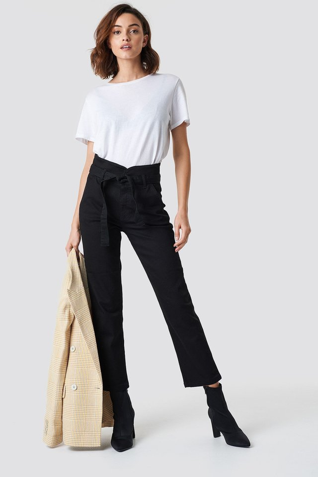 High Waist and T-Shirt Outfit
