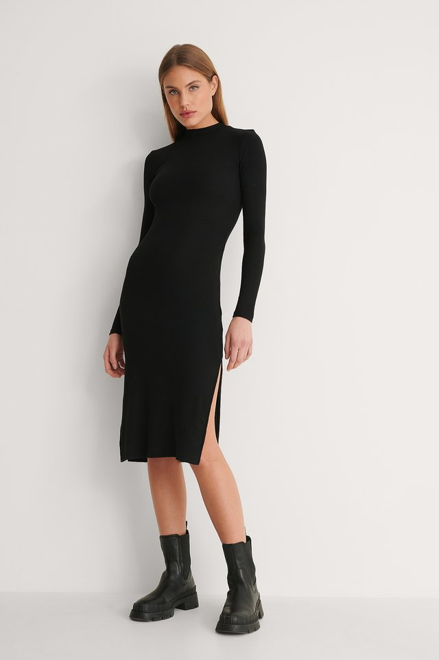 Style this dress with boots for a perfect and easy outfit for the day. Girls night out? Here's your new go-to dress.