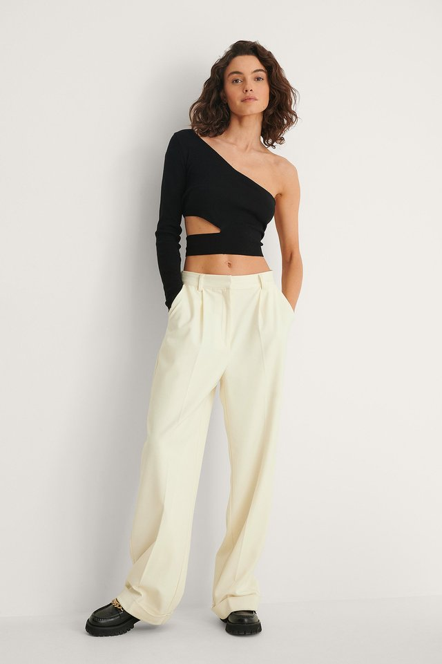 Cut Out One Shoulder Knitted Top