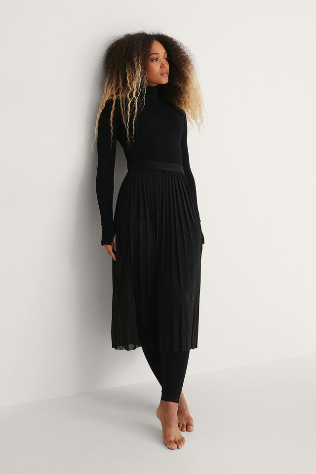 Black Jupe Mi-Longue Plissée