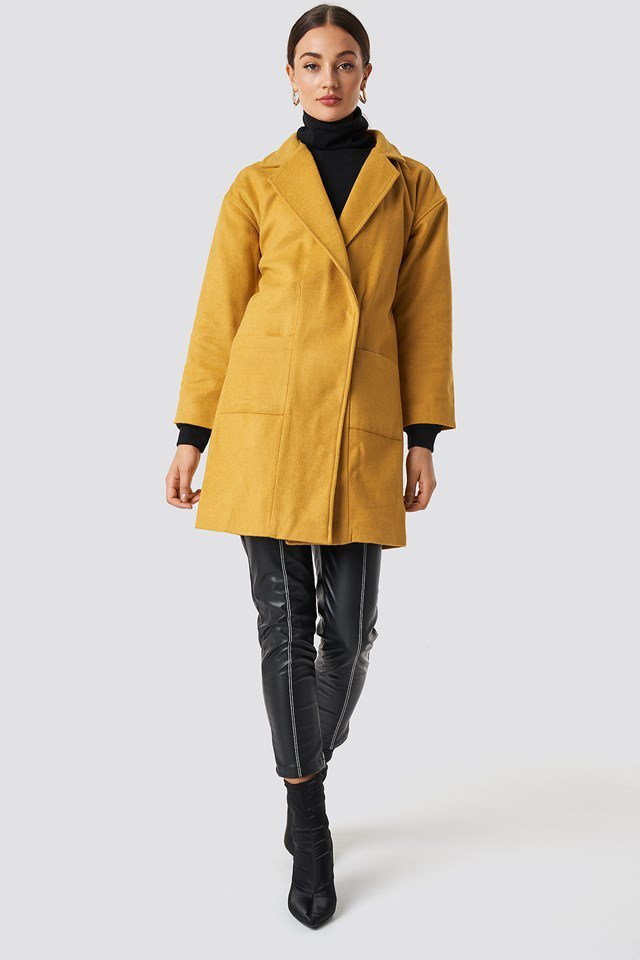 Black n Yellow Jacket Outfit