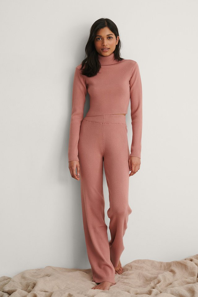 NA-KD Knitted Ribbed High Neck Top Outfit