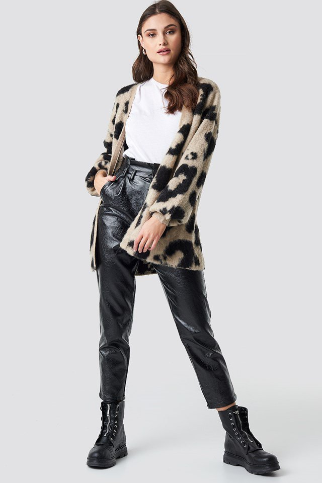 Leo Printed Oversized Cardigan Beige Outfit