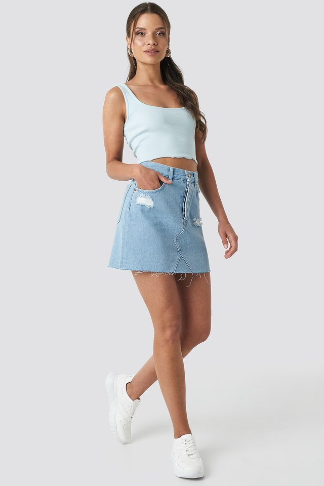 Distressed Denim Skirt Blue Outfit.