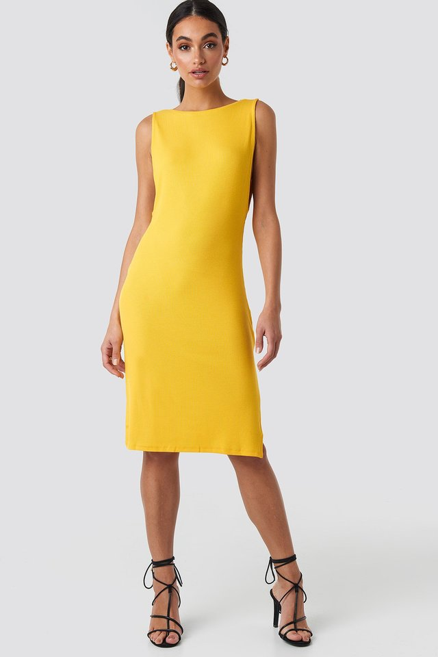 Deep V Back Relaxed Dress Yellow Outfit