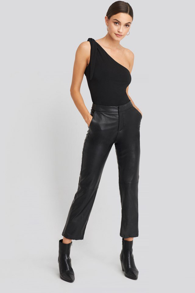 One Shoulder Binding Detailed Body Black Outfit