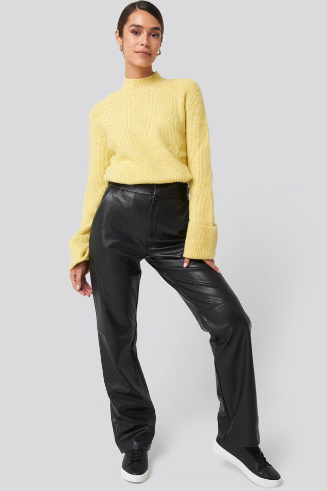 Handle Curved Knitted Sweater Outfit