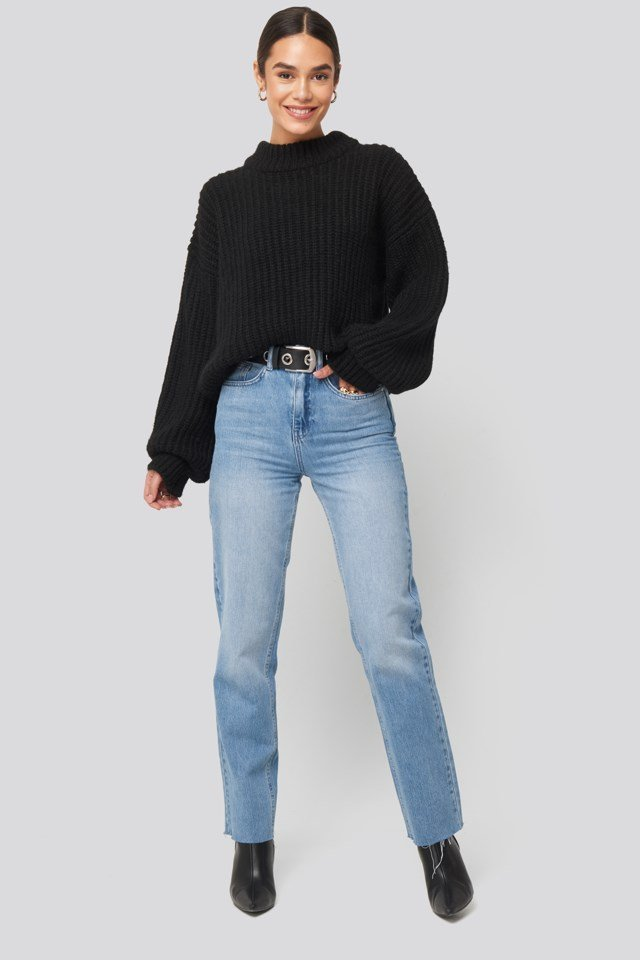 Round Neck Knitted Sweater Black Outfit