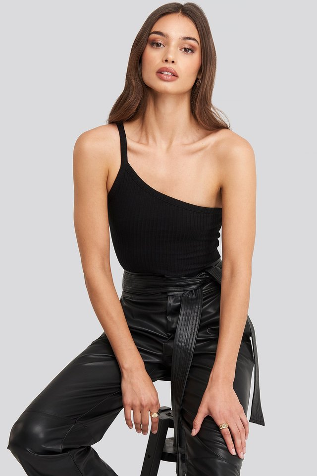 Black One-Shoulder Knitted Singlet